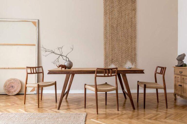 cómo decorar una mesa de comedor de madera